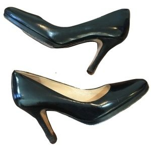 Cole Haan Black Leather Pumps Size 8M Round Toe